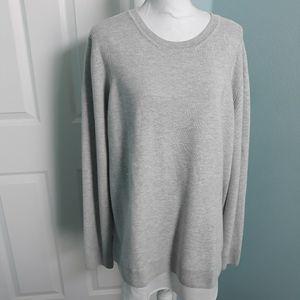 Soft Pullover Sweater w/shirt hem